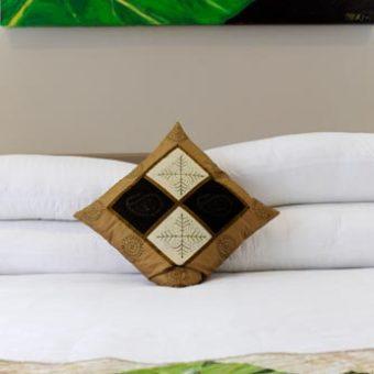 Deluxe-Villa-Bedroom_sml