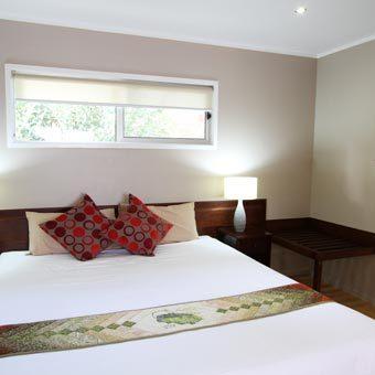 Superior-Villa-King-Bedroom_sml