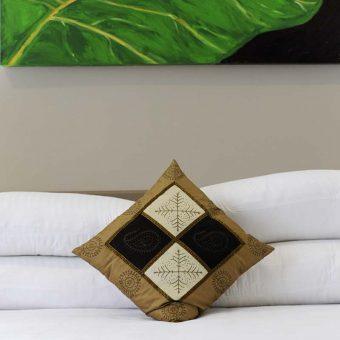 deluxe_villa_bedroom_800x800
